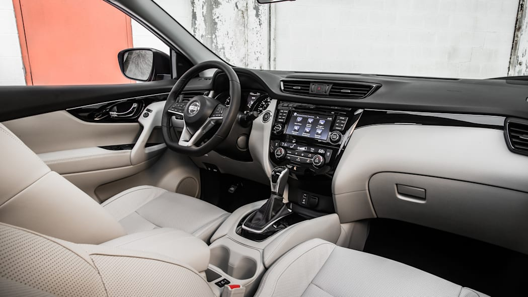 The 2017 Nissan Rogue, unveiled at the 2017 Detroit Auto Show, instrument panel.