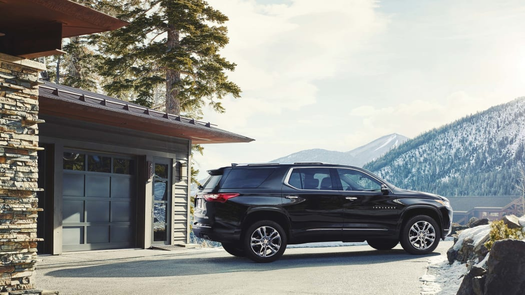 2018 chevy traverse side