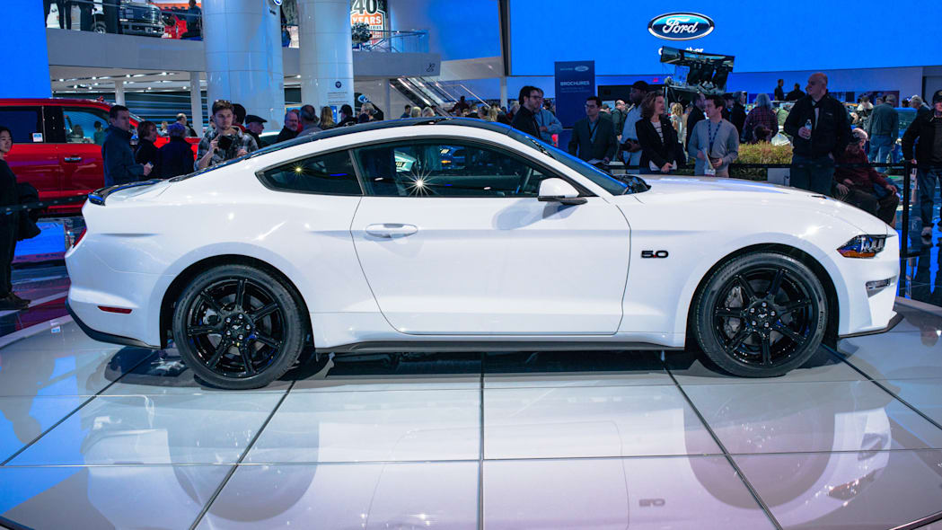 2018 Ford Mustang profile