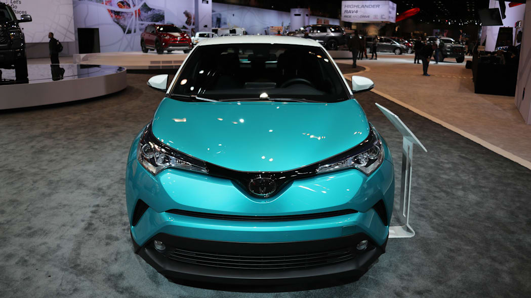 2018 toyota c-hr teal front