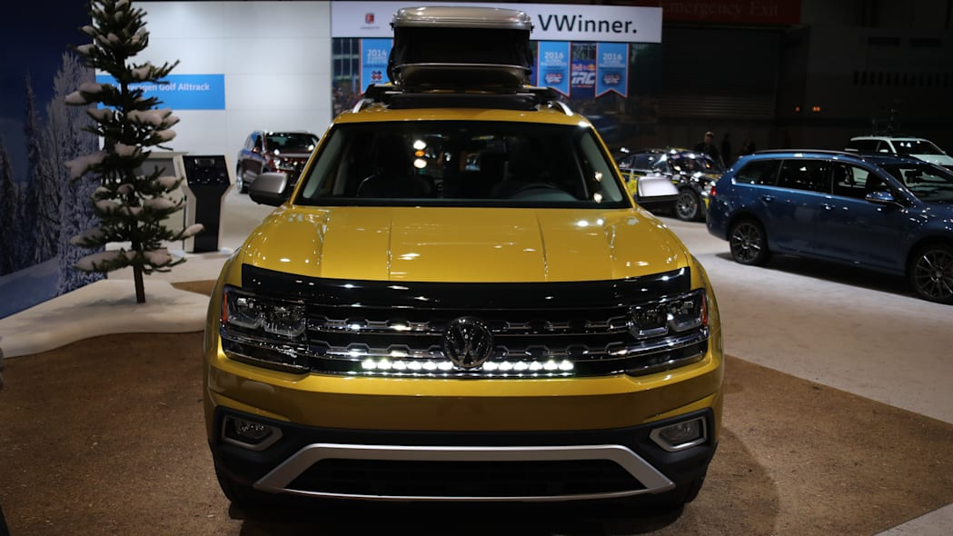 2018 vw atlas weekend edition front