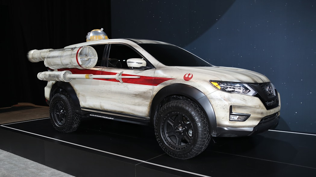 Nissan Rogue Star Wars X-Wing-inspired Rogue