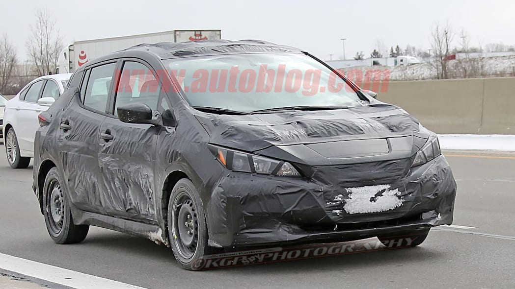 2018 nissan leaf spy photo highway
