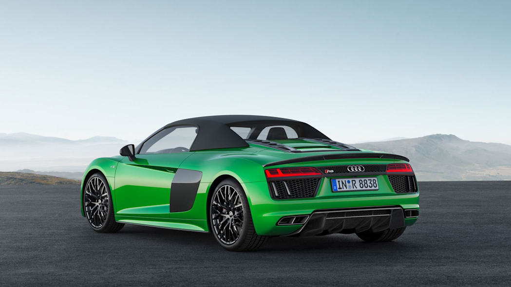 Audi R8 Spyder V10 Plus rear top up