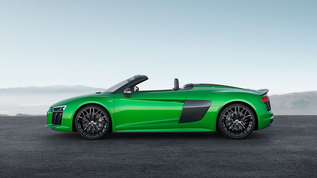 Audi R8 Spyder V10 Plus profile