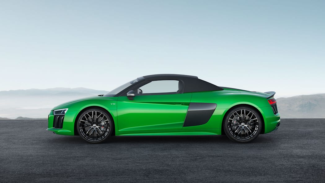 Audi R8 Spyder V10 Plus profile top up
