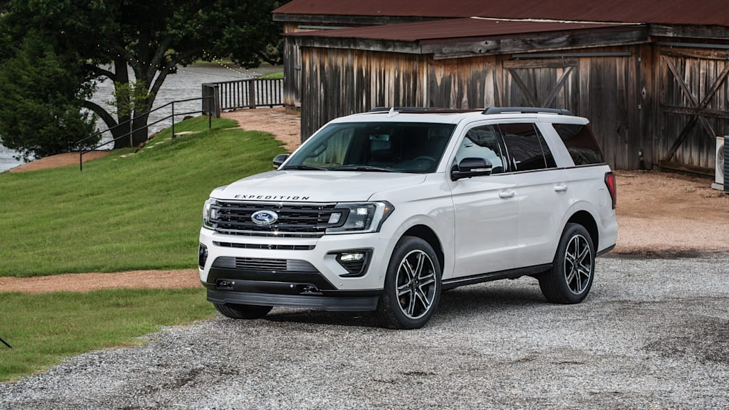 Ford Expedition, Lincoln Navigator sales are so hot, Ford shifts 550 jobs to build them