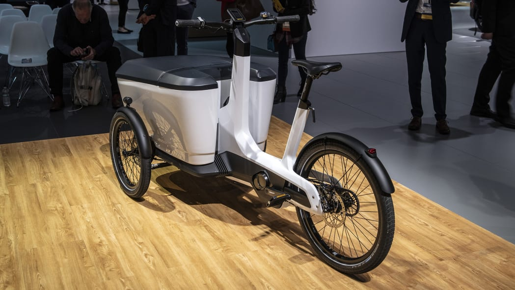 vw i d buzz cargo motorsports concept cargo e bike hit l. Black Bedroom Furniture Sets. Home Design Ideas