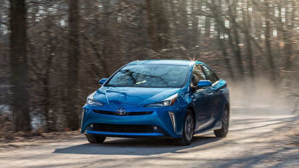 3 Ways to Drive a Prius in Ice or Snow - wikiHow