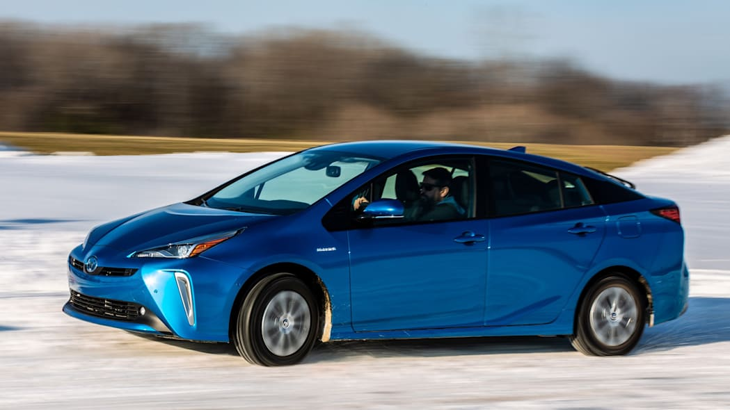 2019 Toyota Prius Prices, Reviews, and Pictures | U.S ...