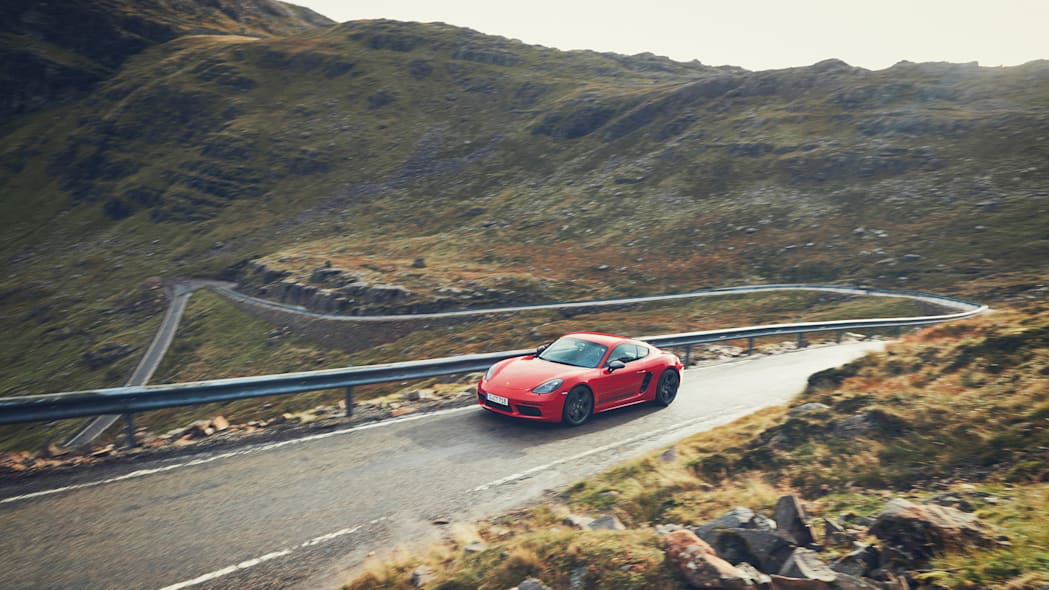 Porsche 718 Cayman T and 718 Boxster T