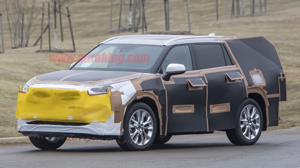 Toyota Highlander spy photos