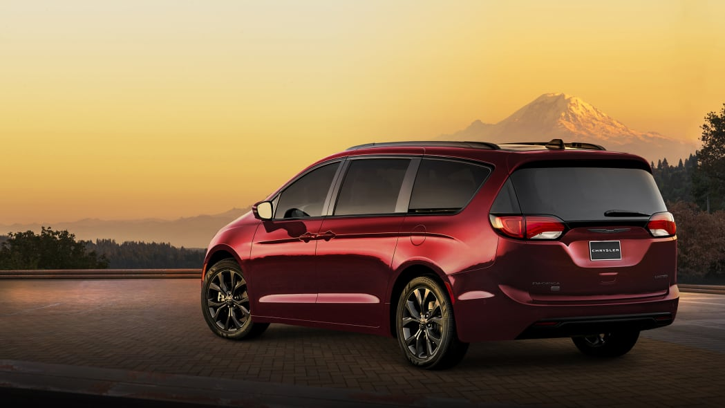 2019 Chrysler Pacifica and Pacifica Hybrid 35th Anniversary Editions