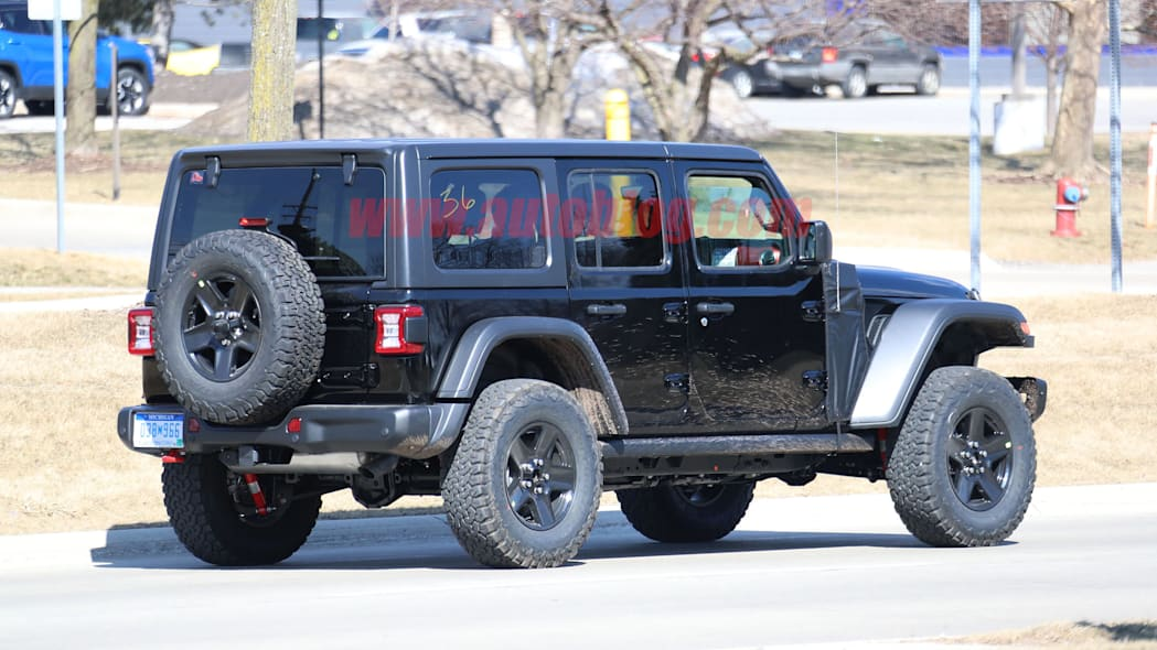 2021 Jeep Wrangler PHEV spy shots.