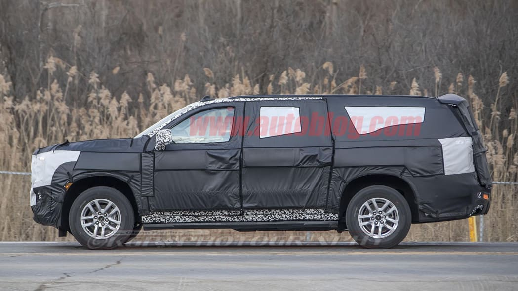 2019 - [Chevrolet/GMC] Tahoe / Suburban / Yukon Gm-full-size-suvs-spied-1