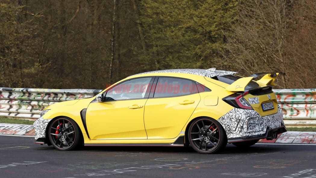 Honda Civic Type R spied