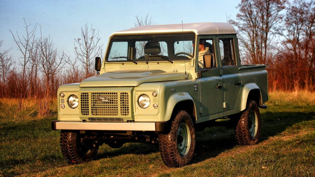 Land Serwis builds new Land Rover Series I Defenders with original tooling