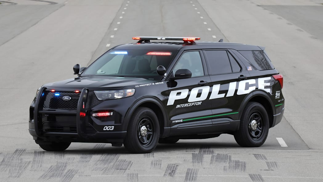 Ford Police Interceptor Utility Hybrid First Drive | Playing policeman in a 2020 Explorer