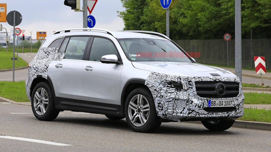 2020 Mercedes-Benz GLB-Class spied mostly uncovered