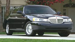 2000 Lincoln Town Car Crash Test Ratings