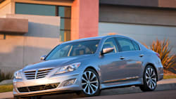 (3.8) 4dr Rear-wheel Drive Sedan