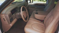 (Lariat) 4x2 SD Crew Cab 172.4 in. WB SRW HD