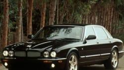 (XJR) 4dr Sedan