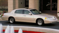 2002 Lincoln Town Car Specs And Prices
