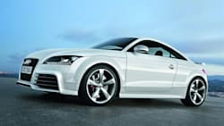 (Base) 2dr All-wheel Drive quattro Coupe