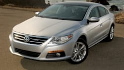 (Lux) 4dr Front-wheel Drive Sedan