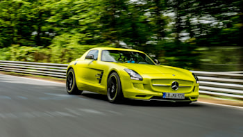Mercedes Benz Sls Amg Electric Drive Breaks Nurburgring Ev Lap Record W Video