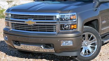 GM tells NHTSA pickup truck electronic glitch is 'inconsequential