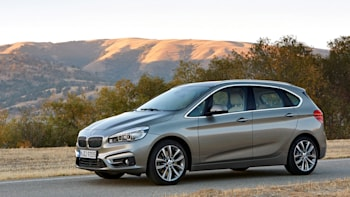 Bmw 2 Series Active Tourer Is The World S First Front Drive Bimmer