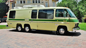 eBay Find of the Day: 1976 GMC Motorhome is a jolly green