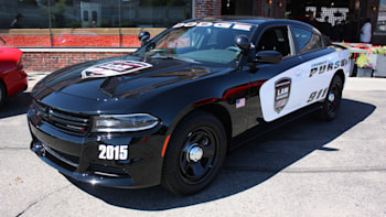 Dodge Charger Pursuit >> 2015 Dodge Charger Pursuit Prepares To Keep Hellcats In Line