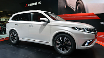 Mitsubishi Outlander Phev Concept S Shows What A Facelift Can Do W