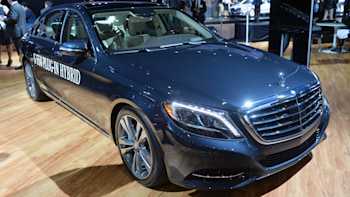 2015 Mercedes-Benz S550 PHEV offers the best of both worlds