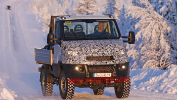 Iveco spotted testing jacked-up Daily 4x4 in the snow | Autoblog