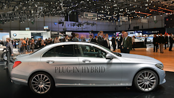 2016 Mercedes-Benz C350e Plug-In Hybrid casts a green light in ...