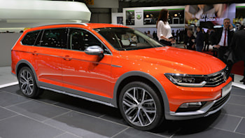 Passat Alltrack Usa >> 2015 Volkswagen Passat Alltrack Ready For Any Road Except In The Us