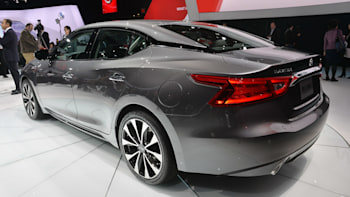 Nissan Maxima Mpg >> 2016 Nissan Maxima Offers 300 Hp And 30 Mpg For 32 410 W