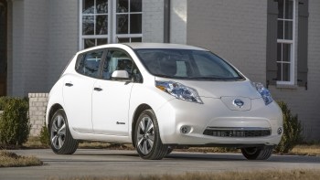 Youll Have To Pay To Keep Your Old Nissan Leaf Connected Autoblog