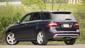 Mercedes Ml400 Rear Angle Statue Trees