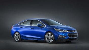 2016 Chevy Cruze is lighter, loaded [UPDATE] | Autoblog