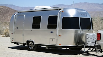 Airstream Travel Trailer >> Airstream Sport 22 Travel Trailer Review W Video Autoblog
