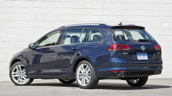 2016 Volkswagen Golf Tdi Sportwagen Rear 3 4 View