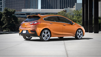 The Chevy Cruze Hatchback arrives in the US this fall | Autoblog
