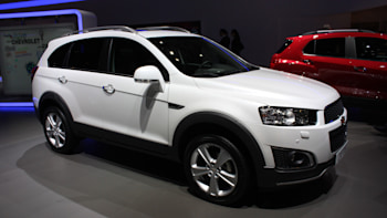 chevrolet captiva looks mildly refreshed and ready for family duty rh autoblog com 2015 chevy captiva manual 2013 chevy captiva service manual