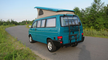 This VW Westfalia camper has super '90s paint and super