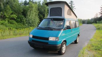 This VW Westfalia camper has super '90s paint and super